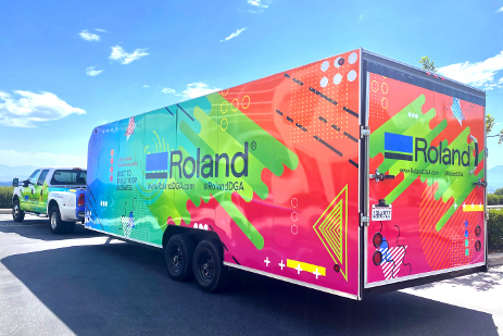 The Roland DGA Demo Days Roadshow trailer brings new Roland DG devices – many of which would not normally be displayed at authorized dealerships – to select dealer locations across the country for live product demonstrations.